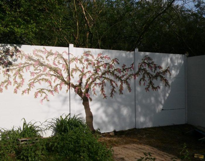 Un arbre peint
